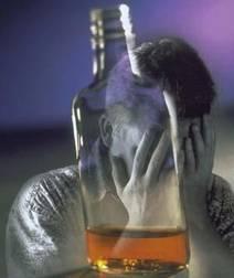 Aiutare il marito con cura di alcolismo